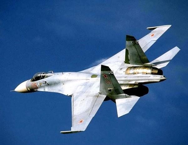 Истребитель Су-27. Источник фото: infuture.ru