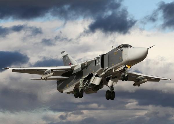 Бомбардировщик Су-24. Источник фото: airforce.ru
