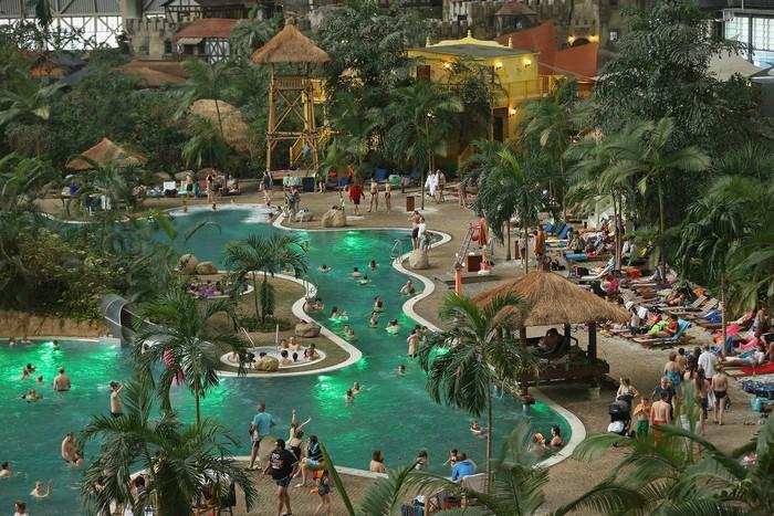 Tropical Islands Resort – тропический остров в ангаре нацистских времен