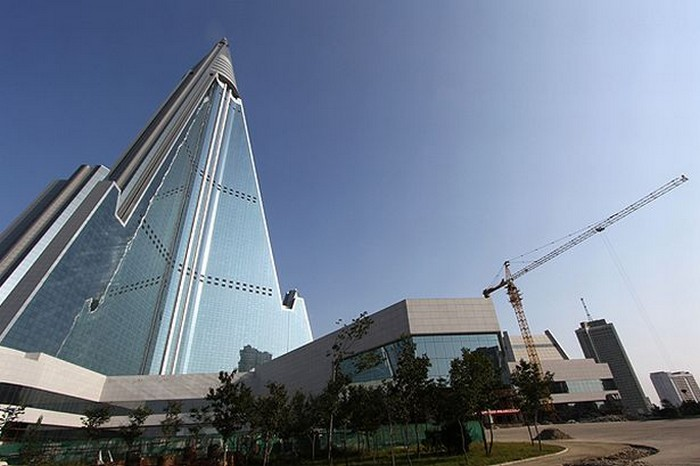 Гостиница Рюгён – гигантский отель в закрытой Северной Корее