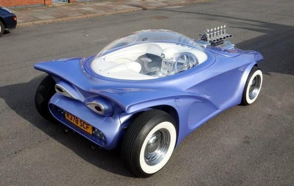 Cosmotron - автомобиль из бытового мусора