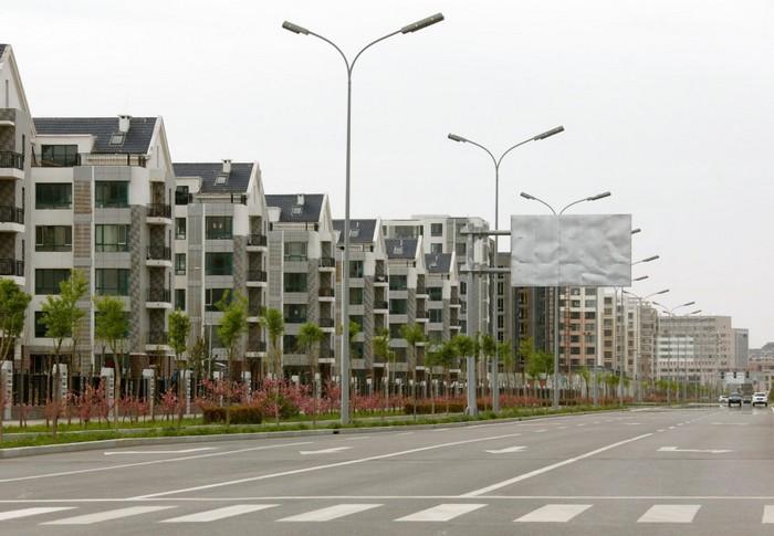 Улицы города-призрака в Китае