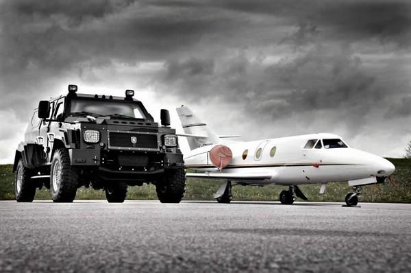 Knight XV – самый большой в мире внедорожник. Источник фото: wiggersfurniture.wordpress.com