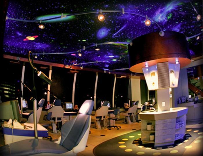 Orthospaceship – стоматологический космический корабль