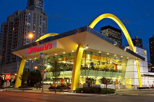 McDonald's в стиле рок-н-ролл. Источник фото: designyoutrust.com
