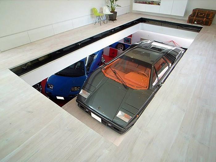 KRE House – дом для настоящего любителя автомобилей