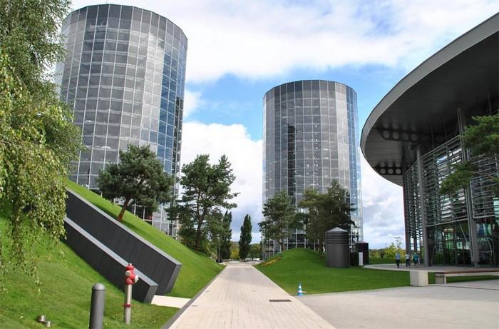 Autostadt – башня-паркинг в технопарке компании Volkswagen
