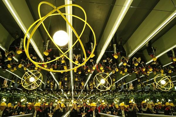 Выставка современного искусства на металлургическом заводе. Источник фото: Blogr.dp.ua