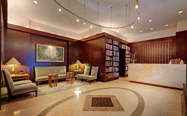 Library Hotel – отель-библиотека в Нью-Йорке. Источник фото: libraryhotel.com
