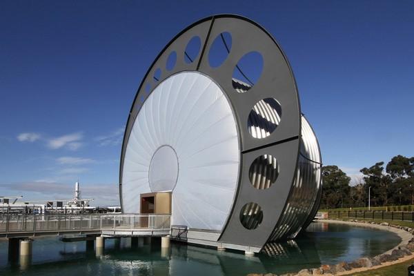 Water Factory Vortex Center – трубообразный завод по переработке воды