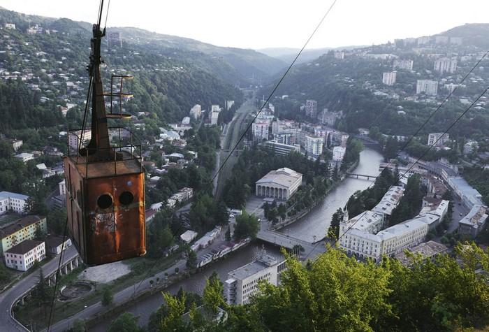 Канатные дороги в грузинском городе Чиатура