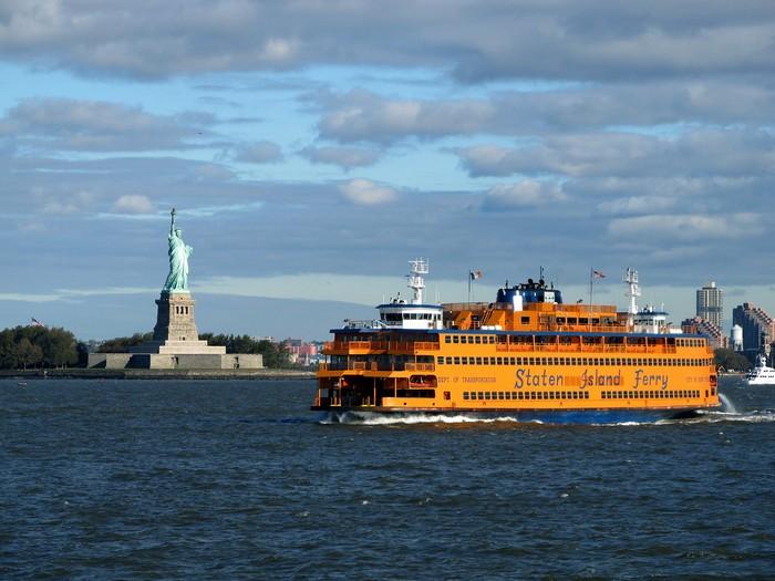 Паромная линия Staten Island Ferry в Нью-Йорке