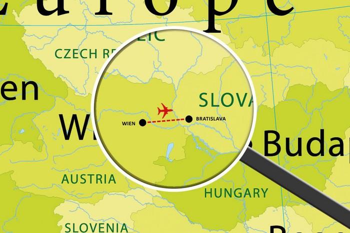Регулярный авиарейс между Веной и Братиславой от авиакомпании flyniki