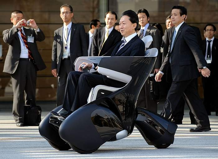 Toyota i-Real - самое комфортное инвалидное кресло.
