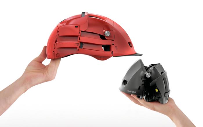 Складной велосипедный шлем.
