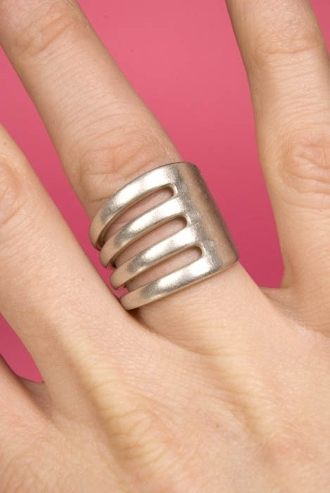 Кольцо из вилки.