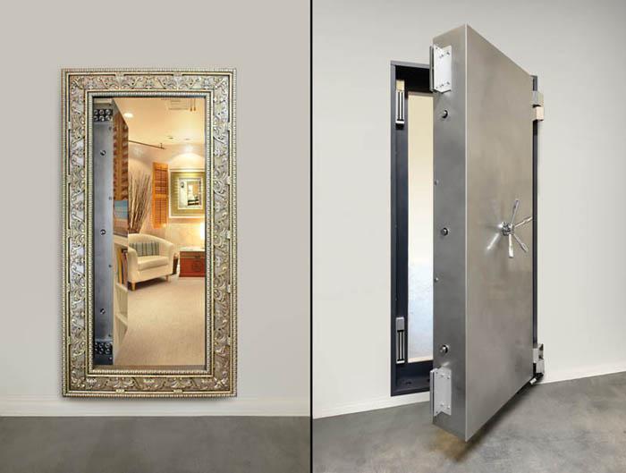 Зеркало - дверь сейфа.