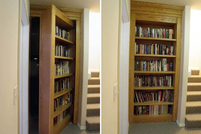 Дверь на лестницу.