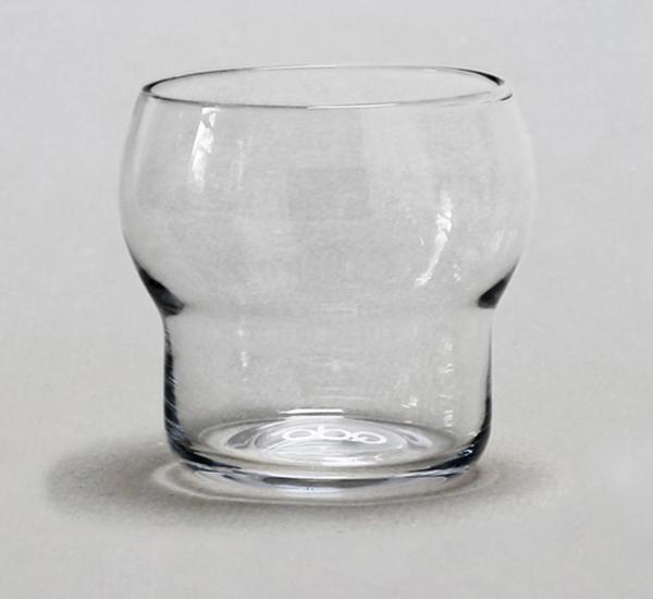 Стильные бокалы, убирающиеся один в другой.
