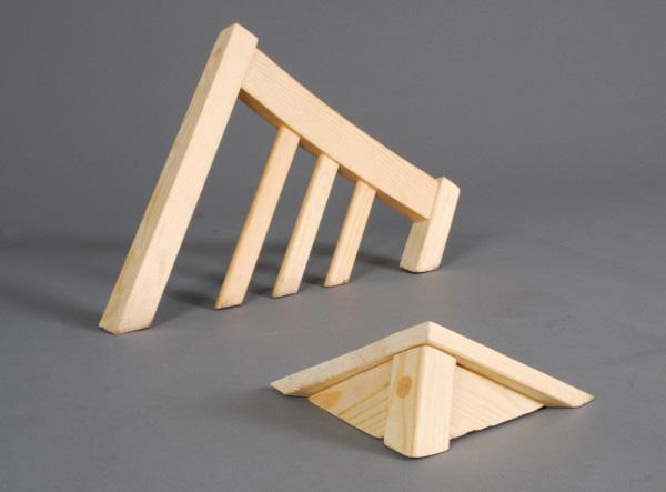 Cломанная мебель от Lennart Van Uffelen.