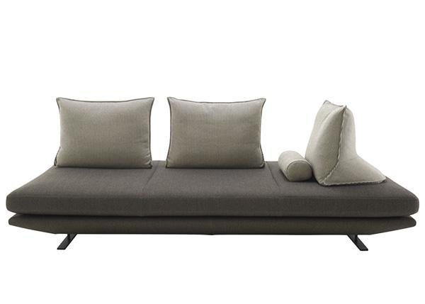 Оригинальные диваны-кровати.