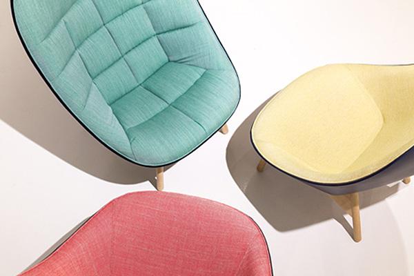 Разноцветные кресла для датского бренда.