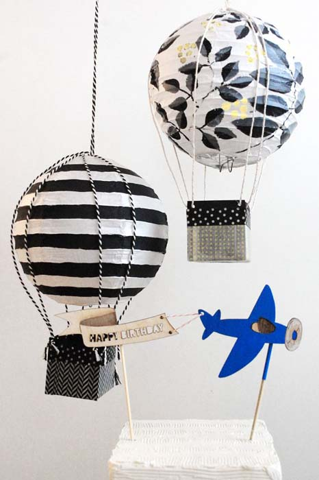 Воздушные шары из бумажных плафонов.