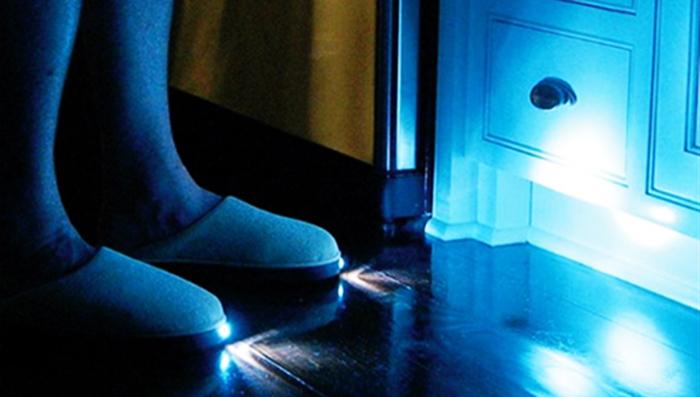 Тапочки с подсветкой.