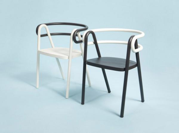 Оригинальные парные стулья.