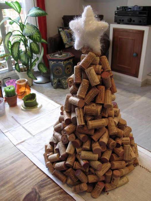 Как сделать елка из подручных средств своими