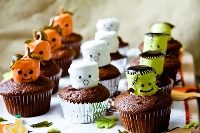 http://www.novate.ru/files/u33352/hallowen-cake-10.jpg