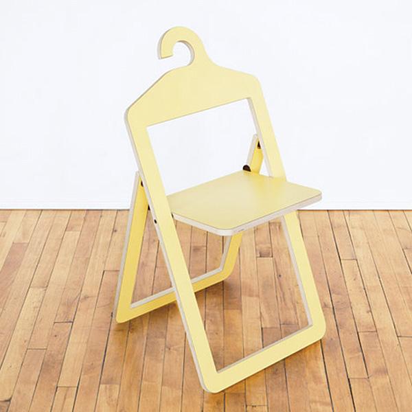 Stühle An Die Wand Hängen stuhl kleiderbügel