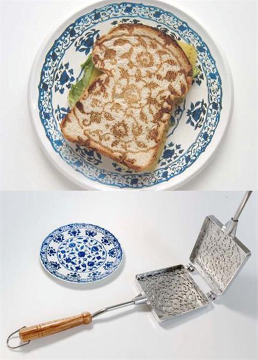 Ручной тостер с узорами.