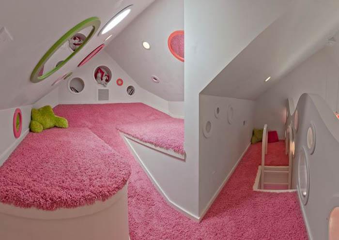 Футуристичная комната для девочки.