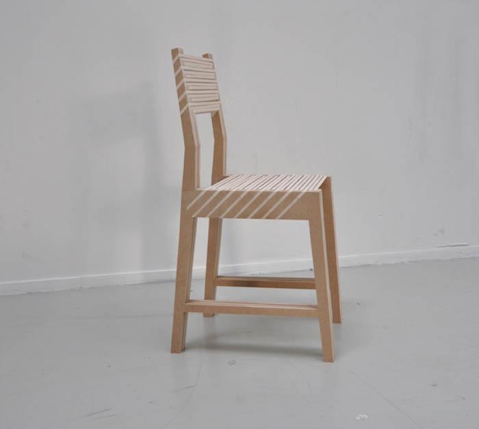 Три суперкомпактных стула.