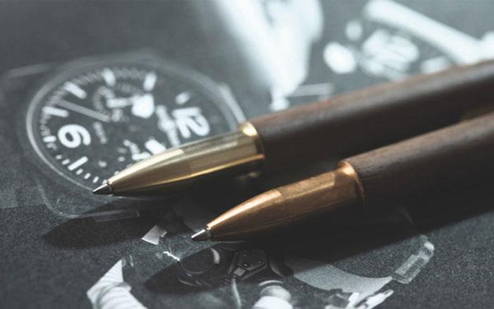 Ручка в винтажном стиле.