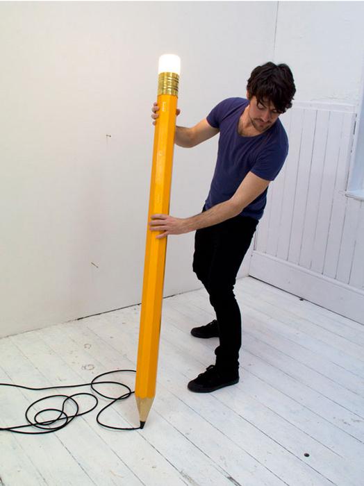 Светильник в виде карандаша от студии Michael & George.