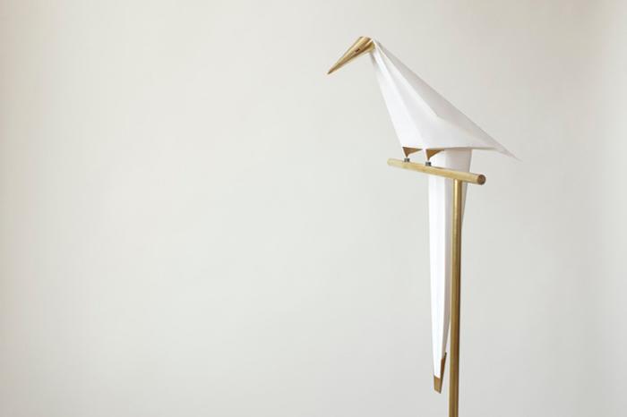 Светильник в виде оригами.