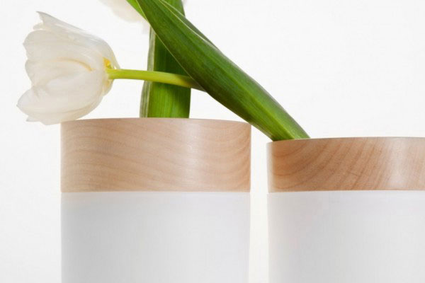 Минималистичные цветочные вазы.