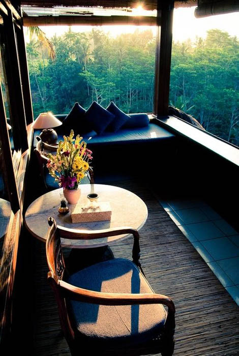Уютный балкон.