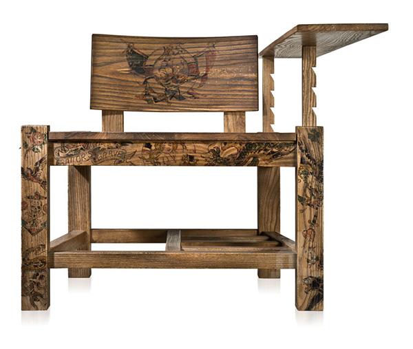 Татуированный деревянный стул от The Cookie Bros.