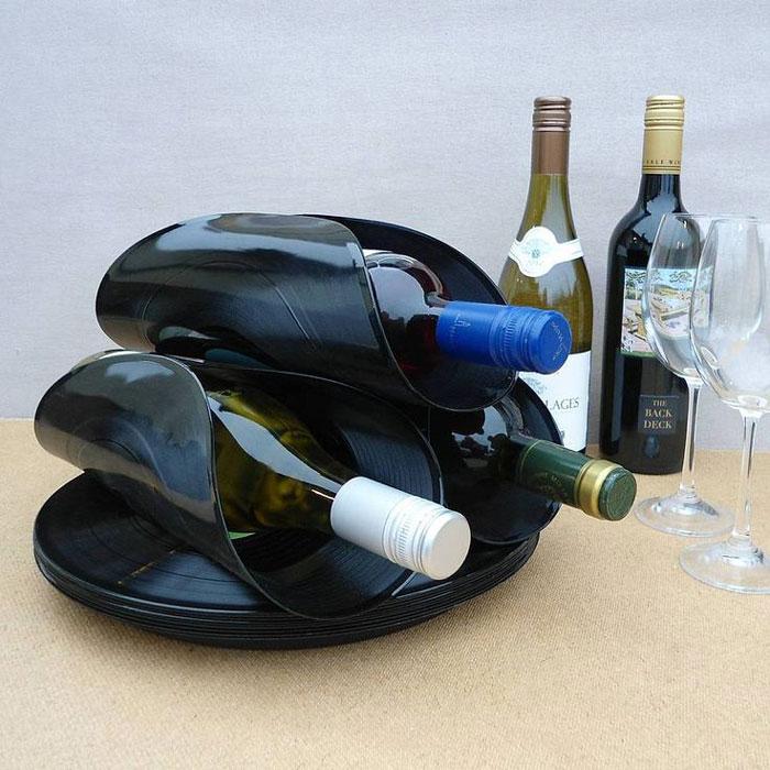 Оригинальные подставки для винных бутылок.