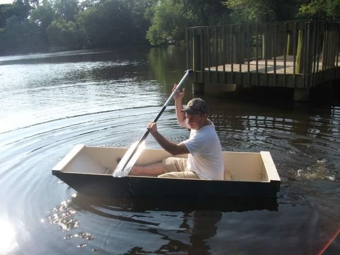 Самодельная фанерная лодка.