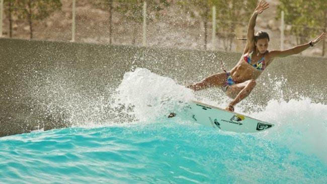 Серфинг в Дубае.