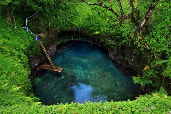 Суа Тренч, Самоа.