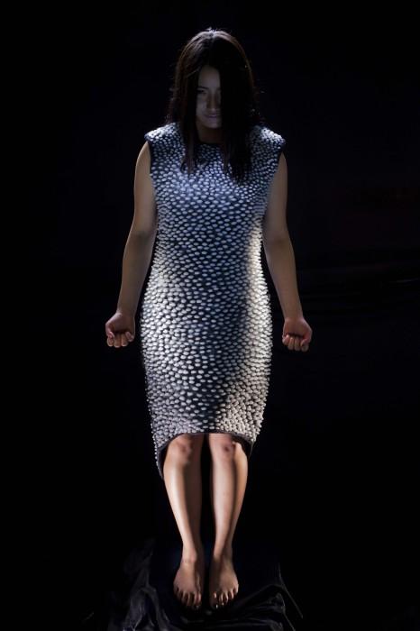 Платье, инстинктивно вызывающее ужас.