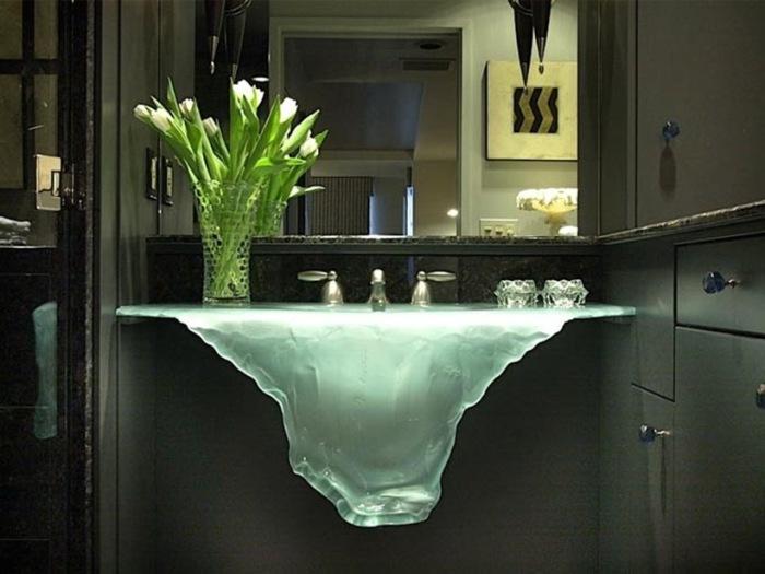 Стеклянная раковина от Glassworks.
