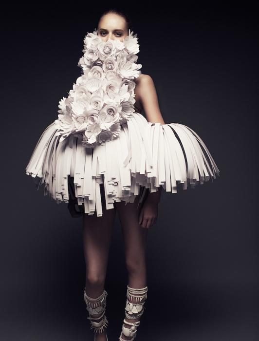 Бумажные костюмы от Беа Шенфельд (Bea Szenfeld).
