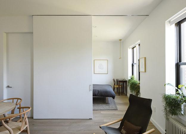 Раздвижные двери - удобно и стильно.