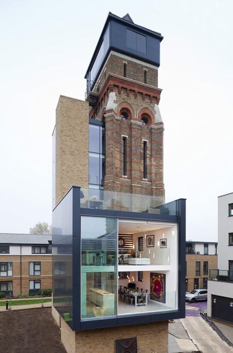 Современный дом в водонапорной башне.
